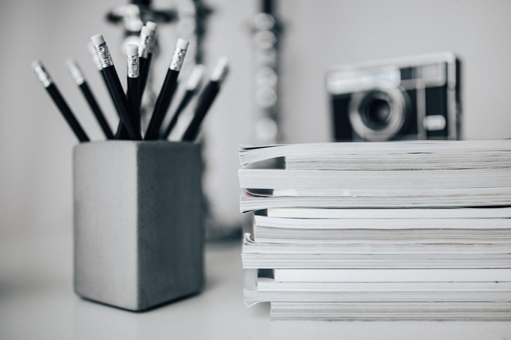 Stifte und Magazine